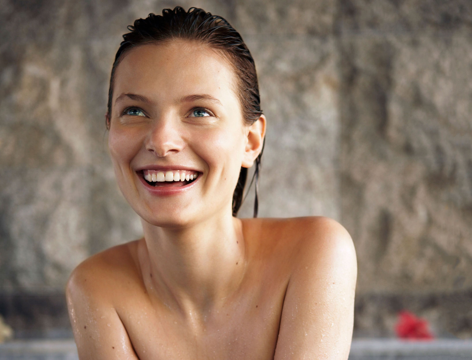 7 Beauty Essentials for a Spring Getaway