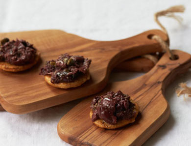 Tapenade on Rice Cracker_390x297