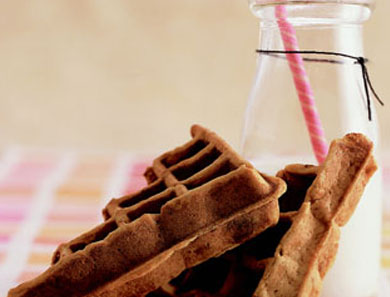 BANANA CHOCOLATE-CHIP WAFFLES_390x297