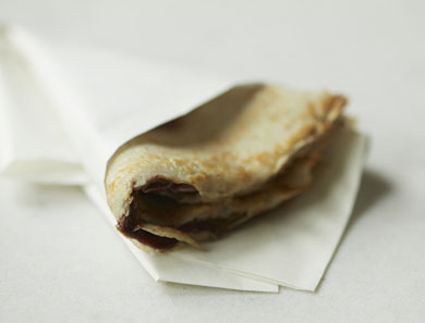 BUCKWHEAT CHOCOLATE-HAZELNUT CRÊPES_390x297