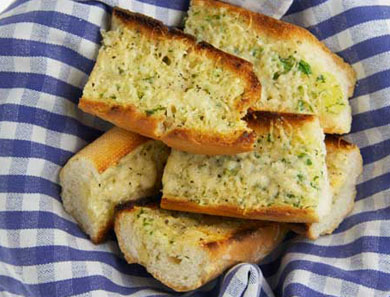 GARLIC BREAD_390x297