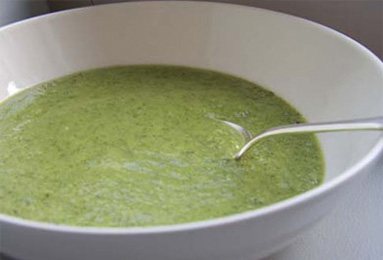 Detox Green Soup Recipe With Broccoli, Spinach And Ginger Recipes ...
