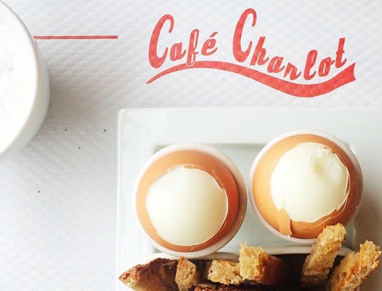 café charlot-crop