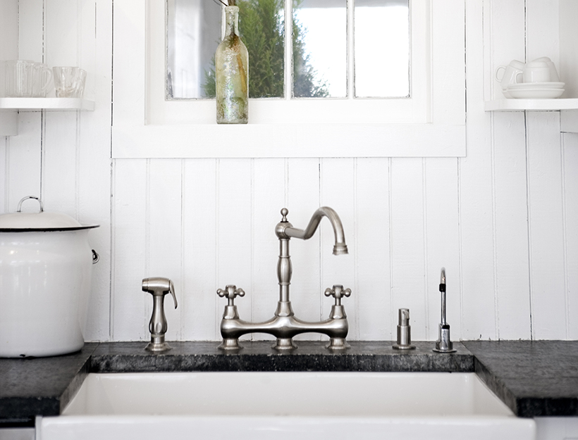 The Water Filtering Guide (And What Might Be in Your Water) | Goop