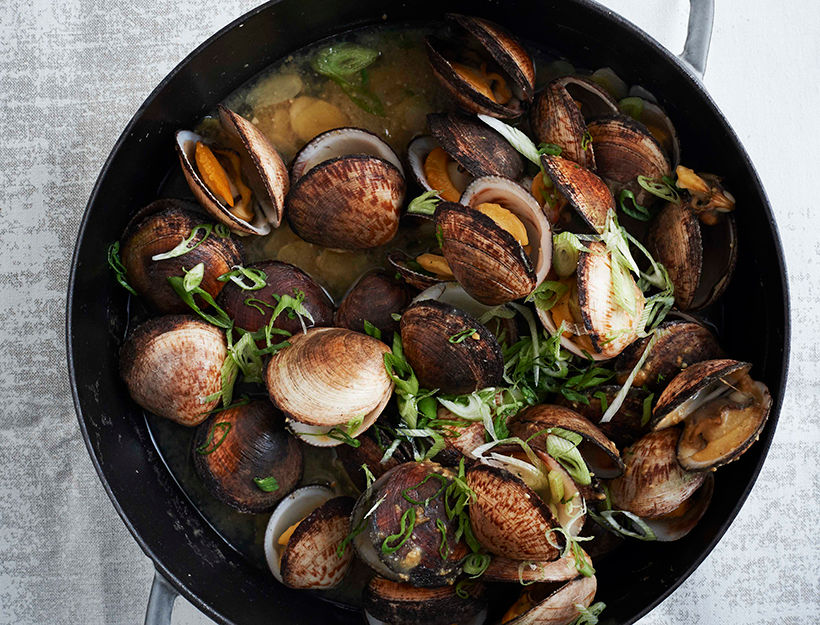 Miso-Clams_ITS-ALL-EASY_credit-Ditte-Isager-crop