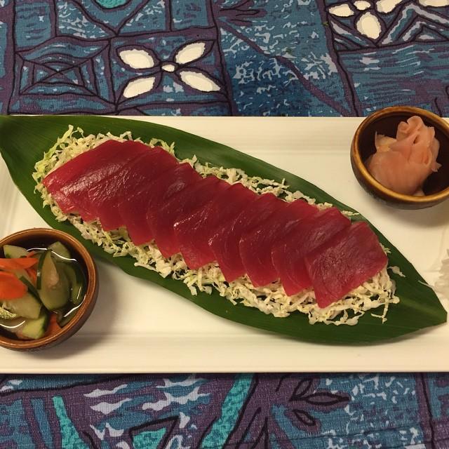 Mama 39 s fish house goop for Mamas fish house menu