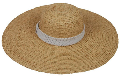 The 19 Best Clean Sunblocks + Summer Essentials