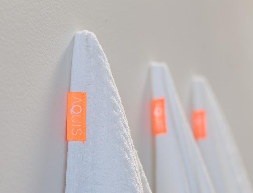 aquis-towels
