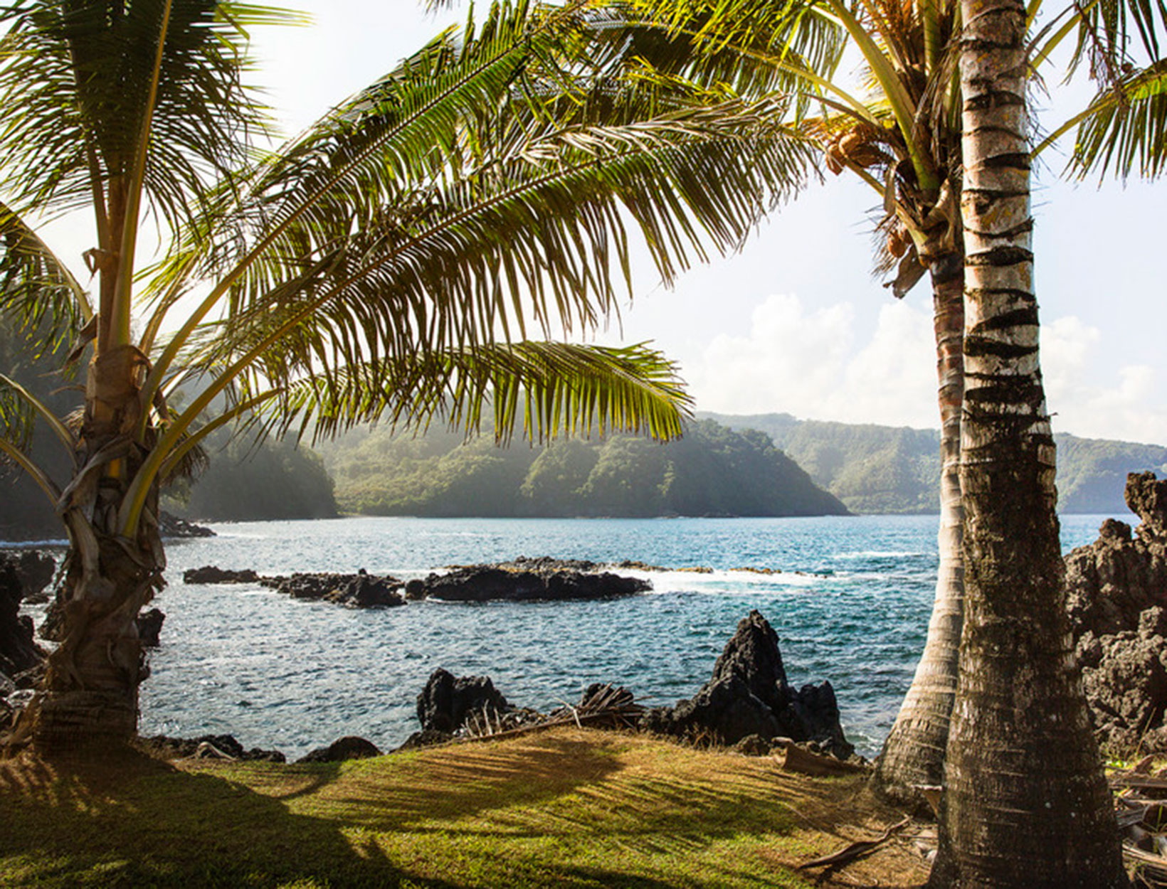 38764eabef The Maui Guide | Goop