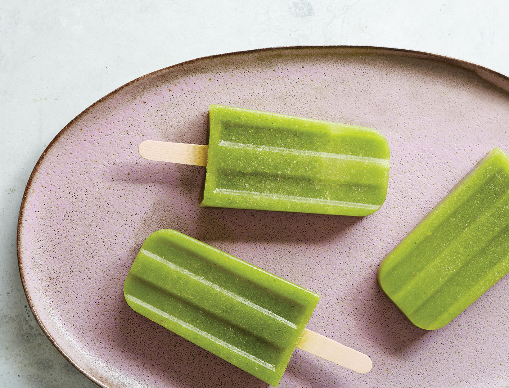 Immune-Boosting Spicy Arugula Pineapple Pop