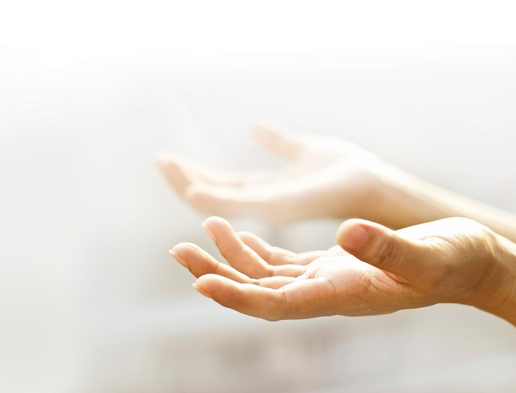 The Guide to Energy Healers, Intuitives & Mediums | Goop