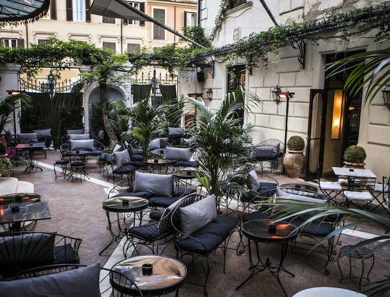 Bar at Hotel Locarno