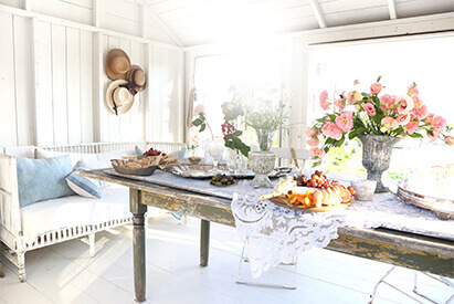 A Mamas-Only Indian Summer Dinner Party