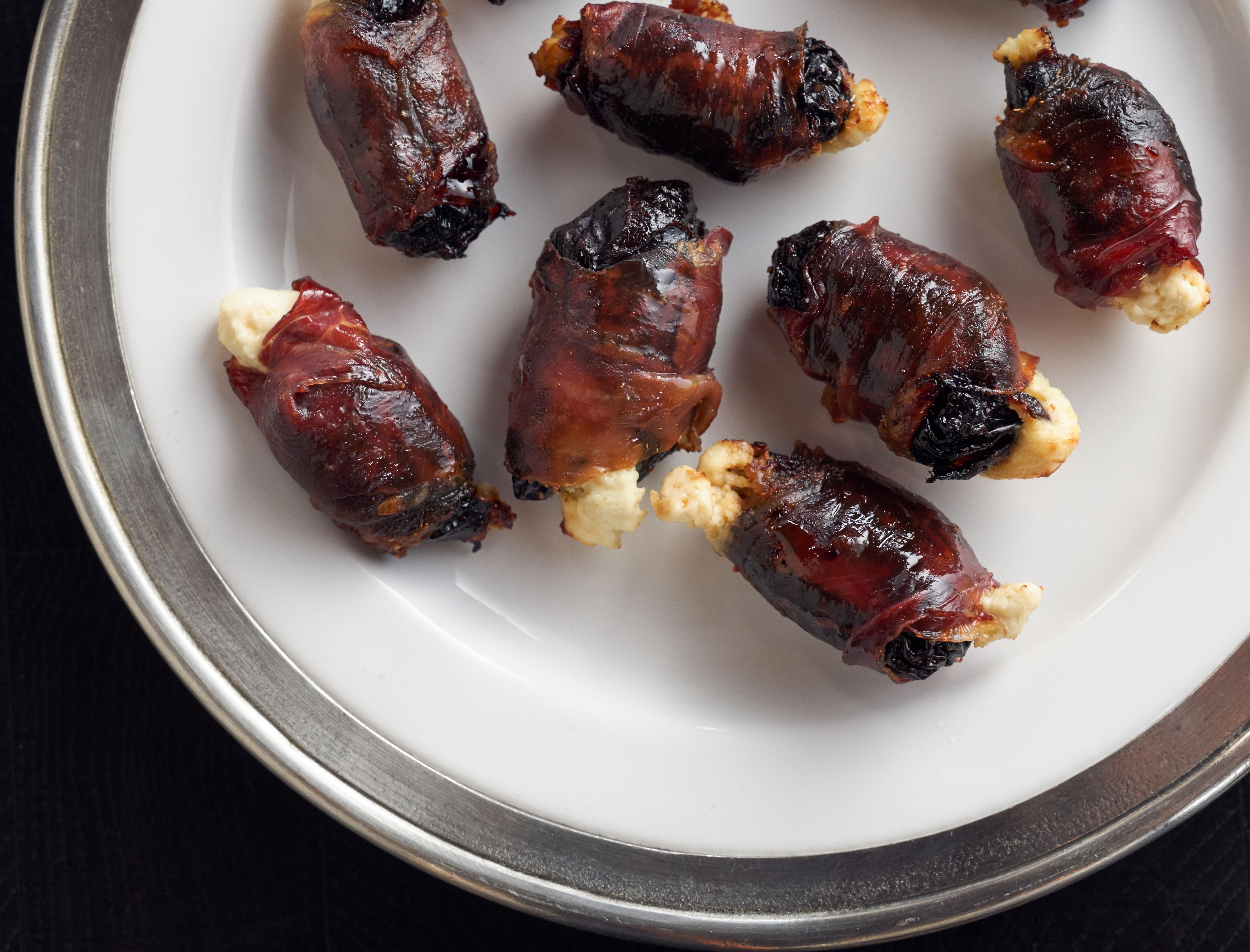 Diablos (Prosciutto Wrapped Prunes)