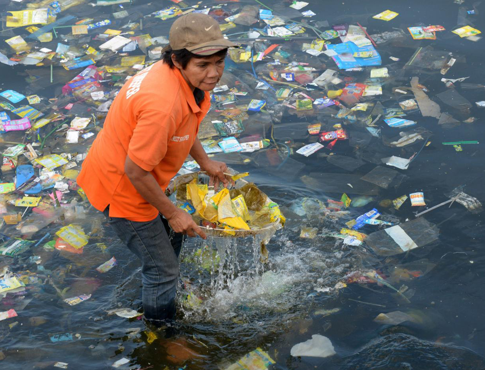 Ocean Pollution: Even Sea Creatures in the Deepest, Darkest Trenches Are Full of Plastic