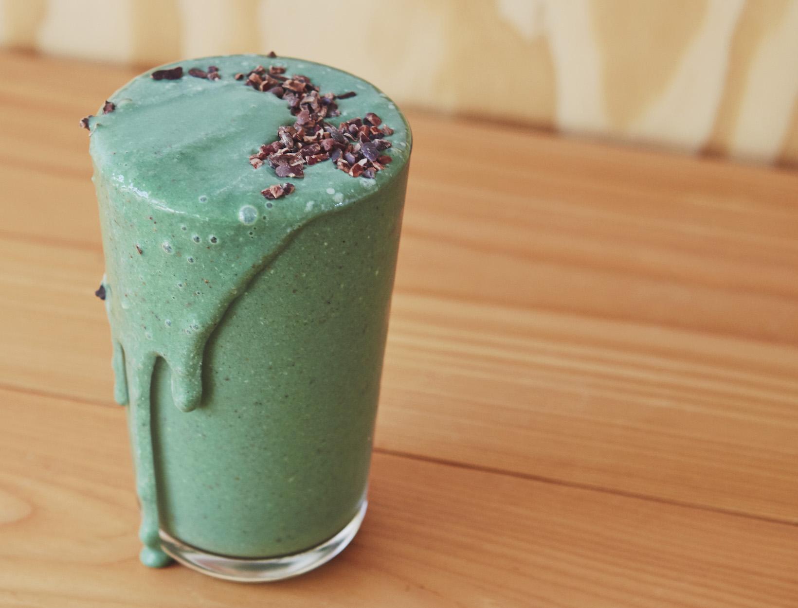 A Morning Chlorella Smoothie That Actually Tastes Good