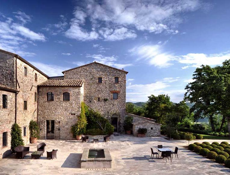Castello di Reschio <br>Perugia, İtalya</em>