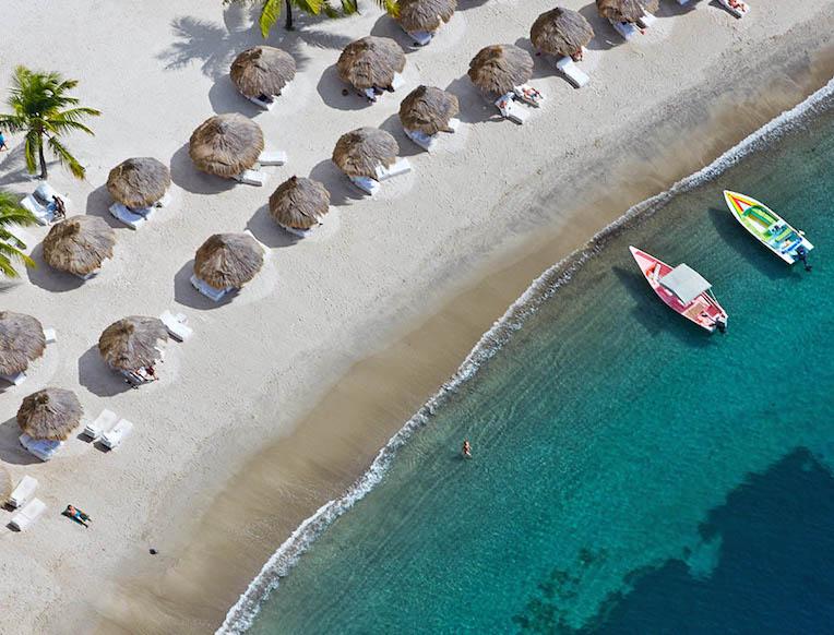 Sugar Beach <br>Sent Lusija, Karibai</em>