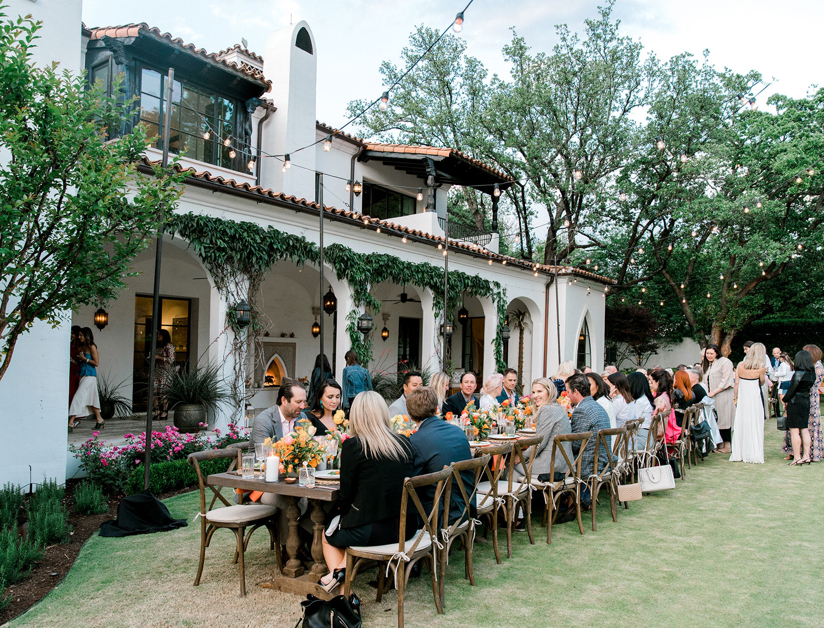 Backyard Dinner Party how dallas does a backyard dinner party | goop