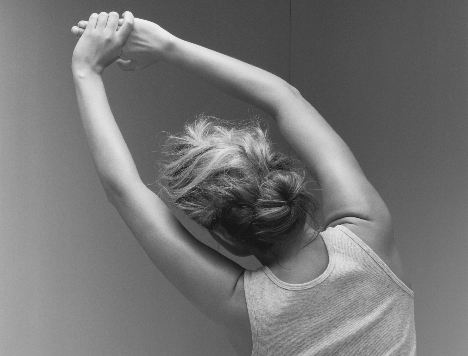 Demystifying Frozen Shoulder, Plus Exercises That Can Help   Goop