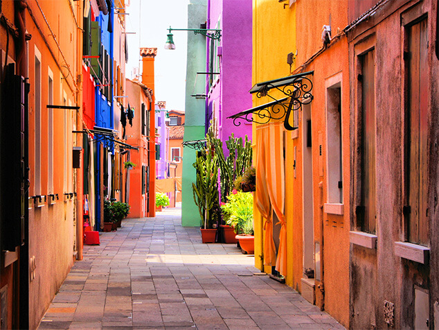 COLORFUL BACKSTREET