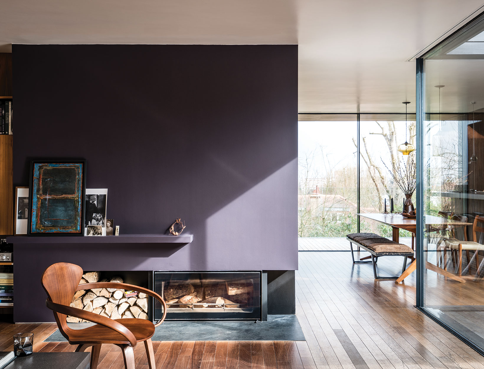 How and Accent Walls Adds Drama and Depth to a Room