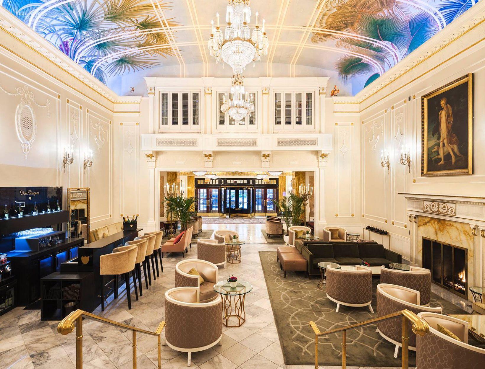 Ritz-Carlton Montreal  <br>Downtown</em>