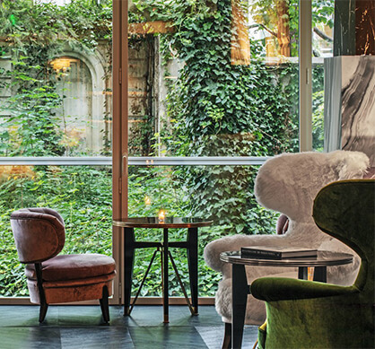 Hotel de Berri chairs