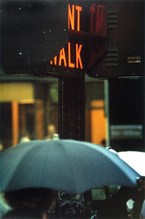 SAUL LEITER, Run, Don't Walk (1952), photographic chromogenic print