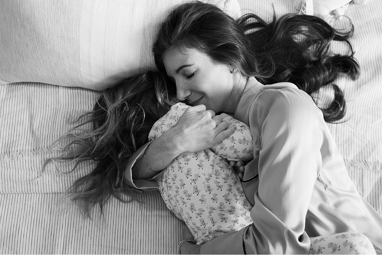 Kim Kreuzberger hugging her daughter
