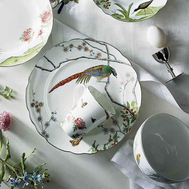Dinnerware Set featuring Birds
