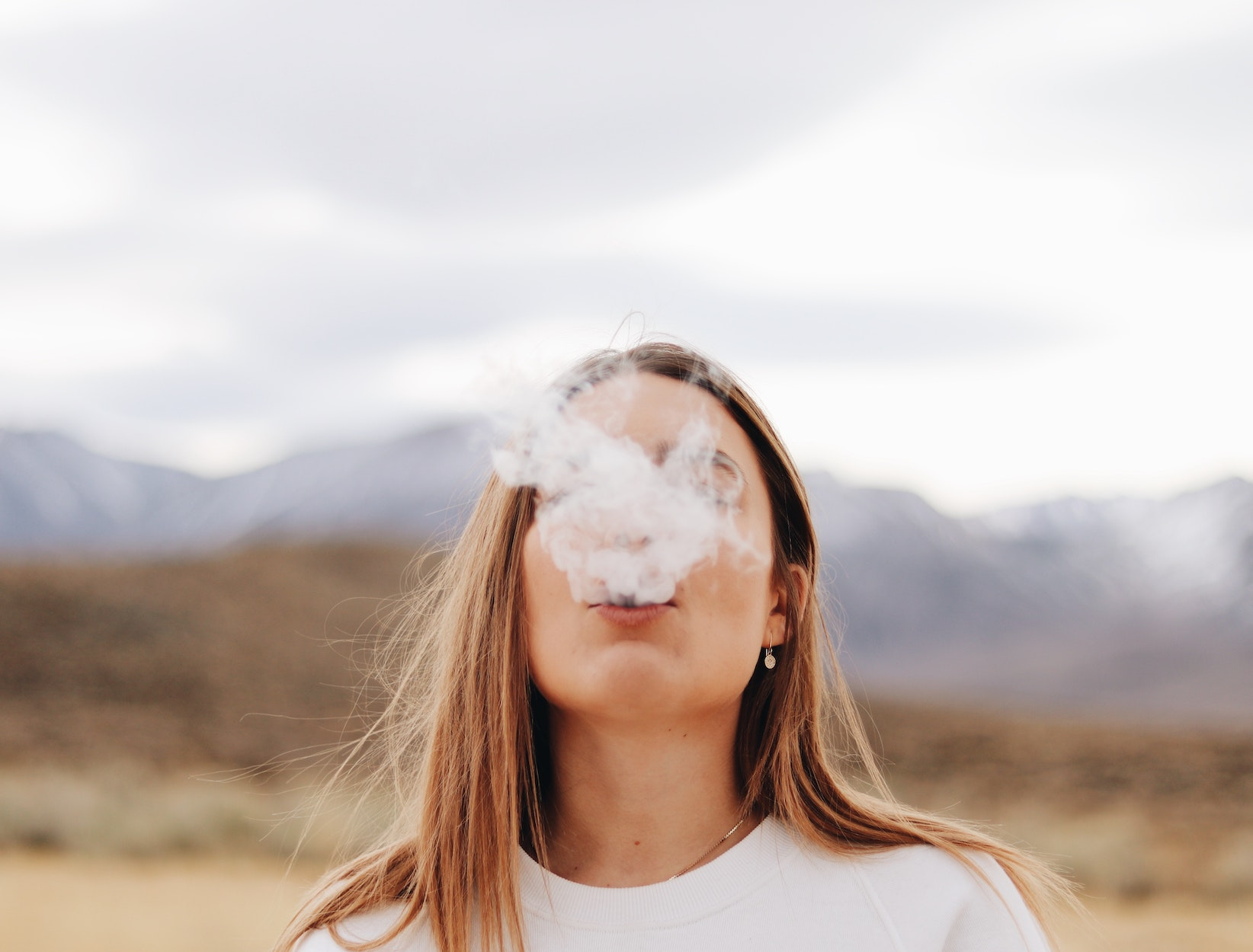 """Surgeon General Calls for Reversing the """"Epidemic"""" of Youth Vaping in Rare Advisory"""
