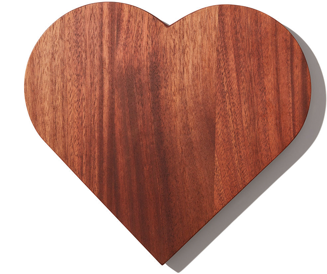 The Wooden Palate x goop MADE WITH LOVE                CUTTING BOARD
