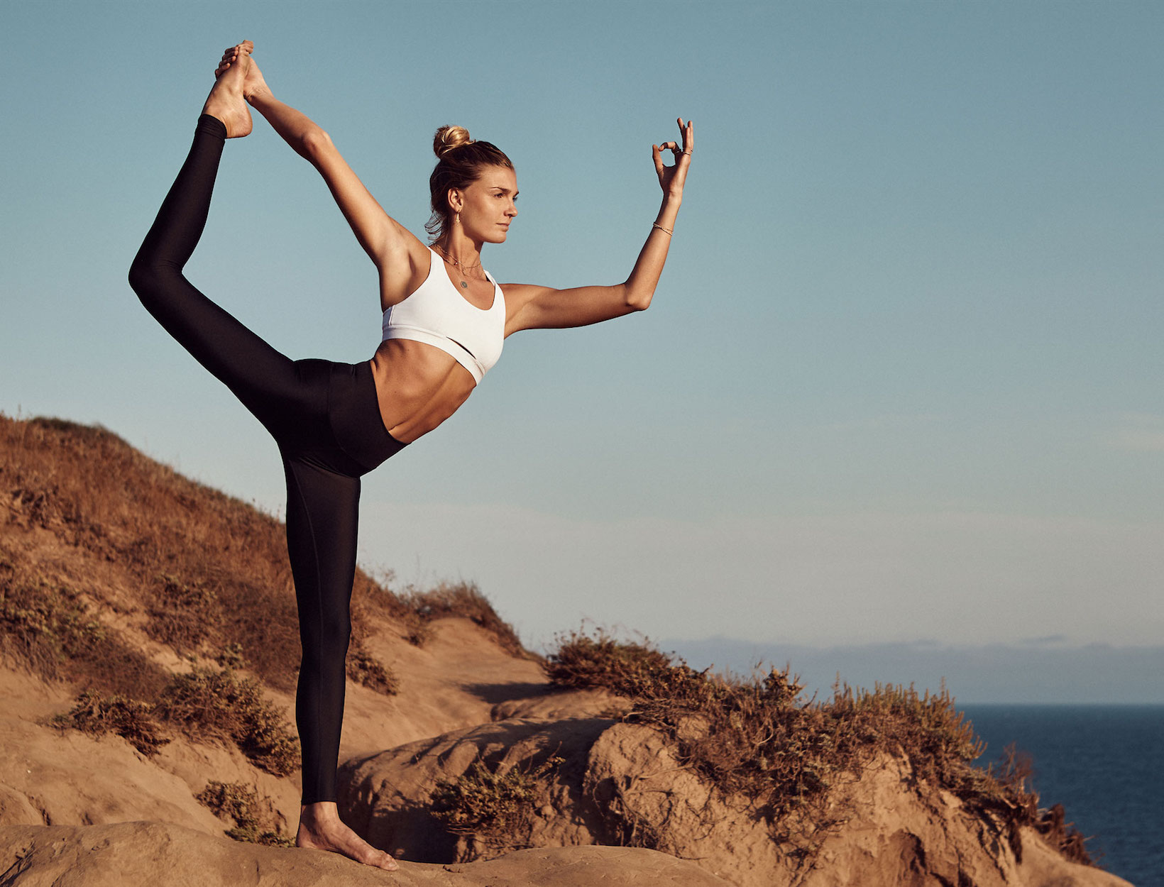Unlocking-the-Mind-with-Yoga-and-One-Sim