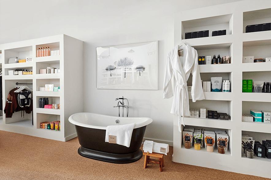 freestanding Kohler bath