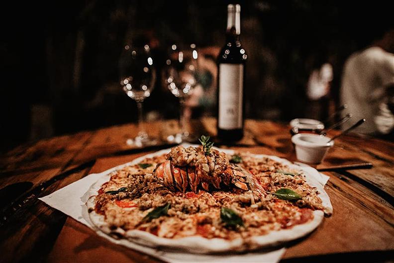 Pizza Roots Resturant