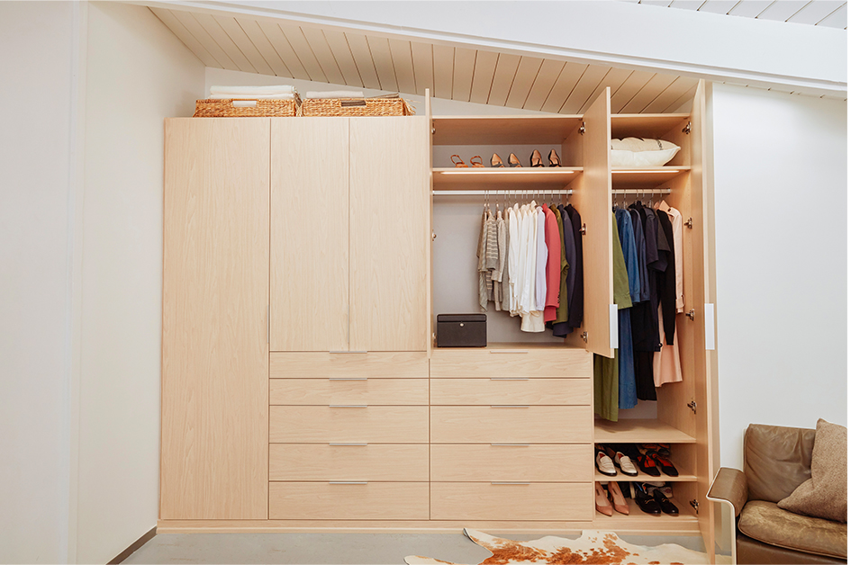 closet-after-with-clothes