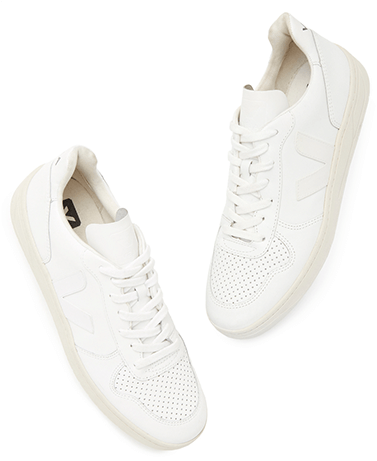 White lace up sneakers