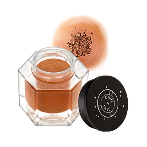 Rituel de Fille Eye Ash and Ember Eye Soot in Love Spell