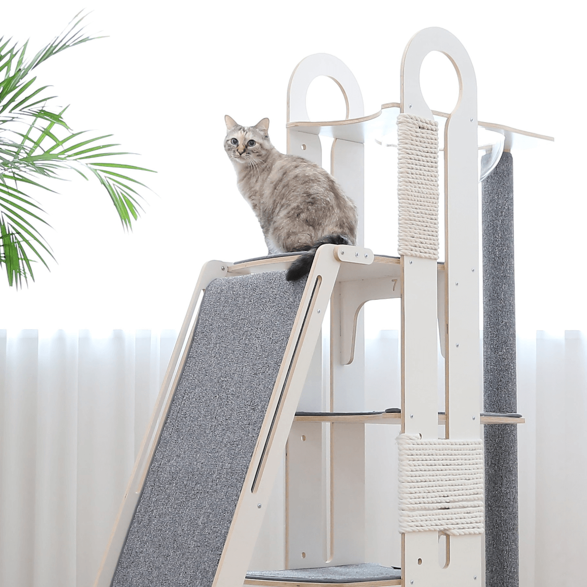 Tuft + Paw Milo Cat Jungle Gym