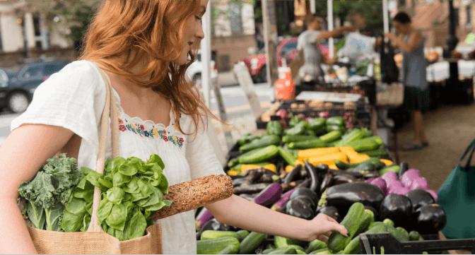 girl at farmers market