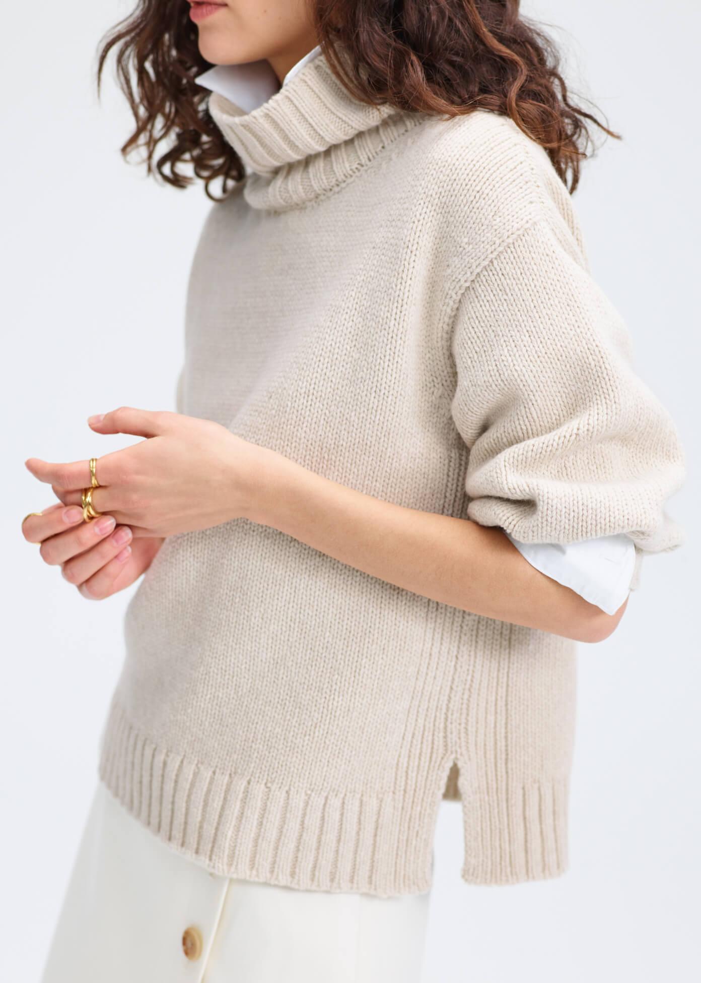 Evangelyn Puff- Sleeve Sweater