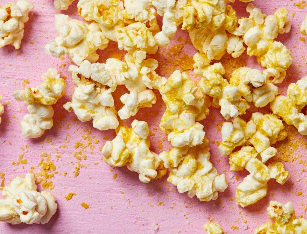 Vegan Cheesy Popcorn