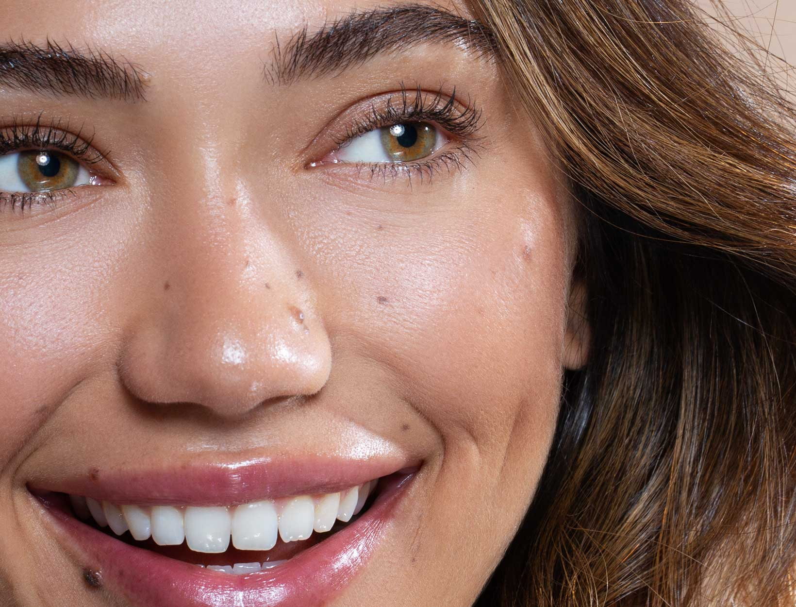 Easy Depuffing Face Massages to Do at Home