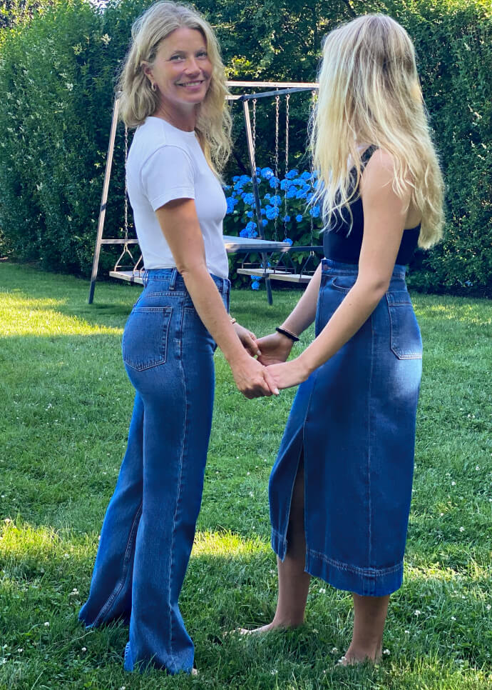 Gwyneth and Apple holding hands