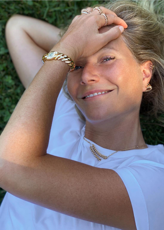Gwyneth posing
