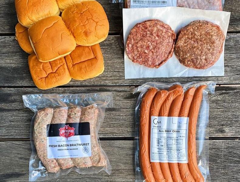 burger patties and buns