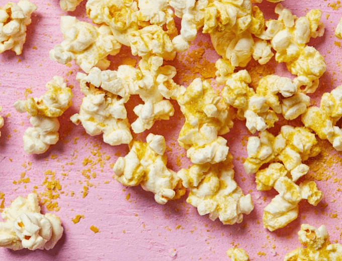 Vegan Cheesy Popcorn