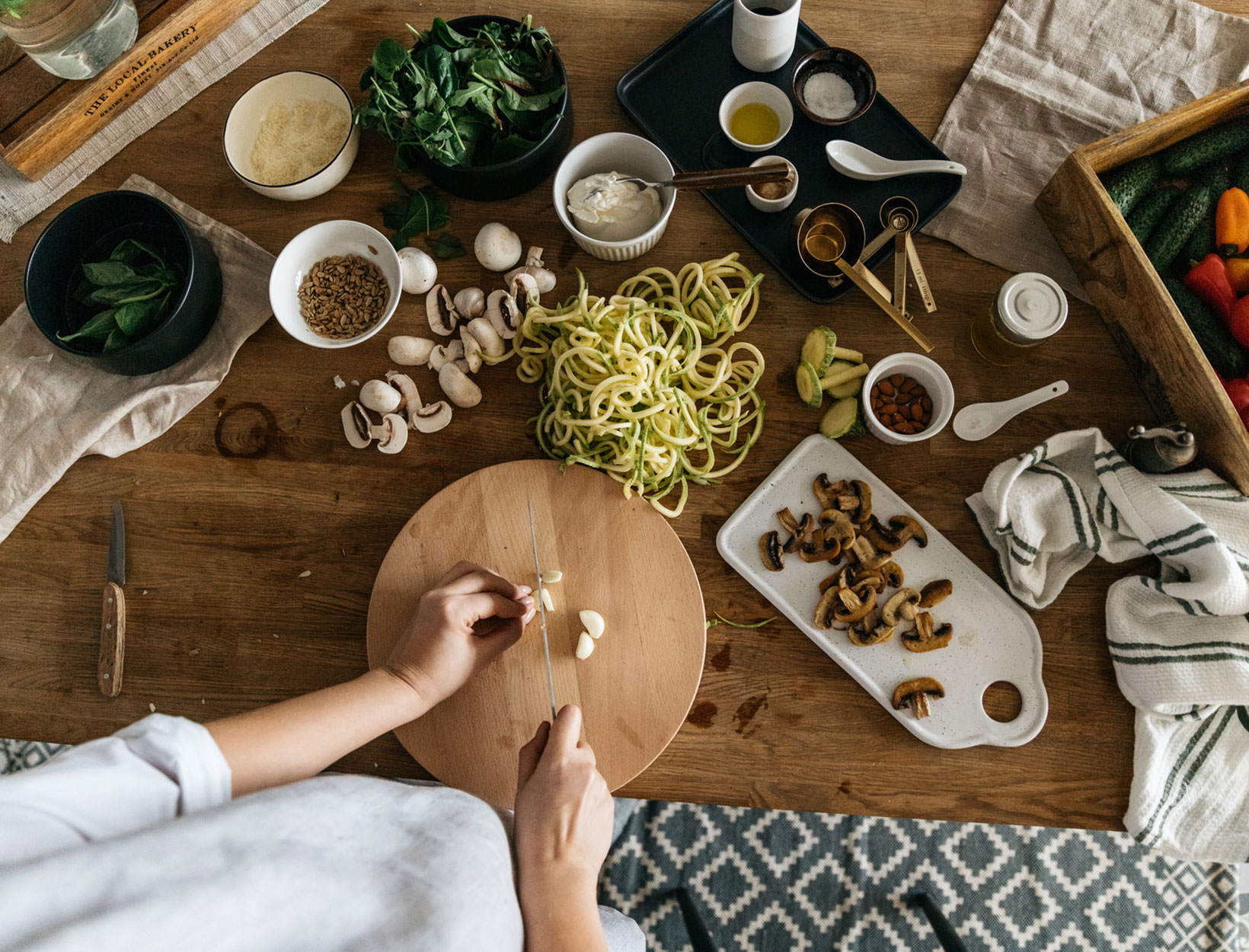 Using Cognitive Behavioral Therapy to Break Old Habits—and Create New Ones | Goop