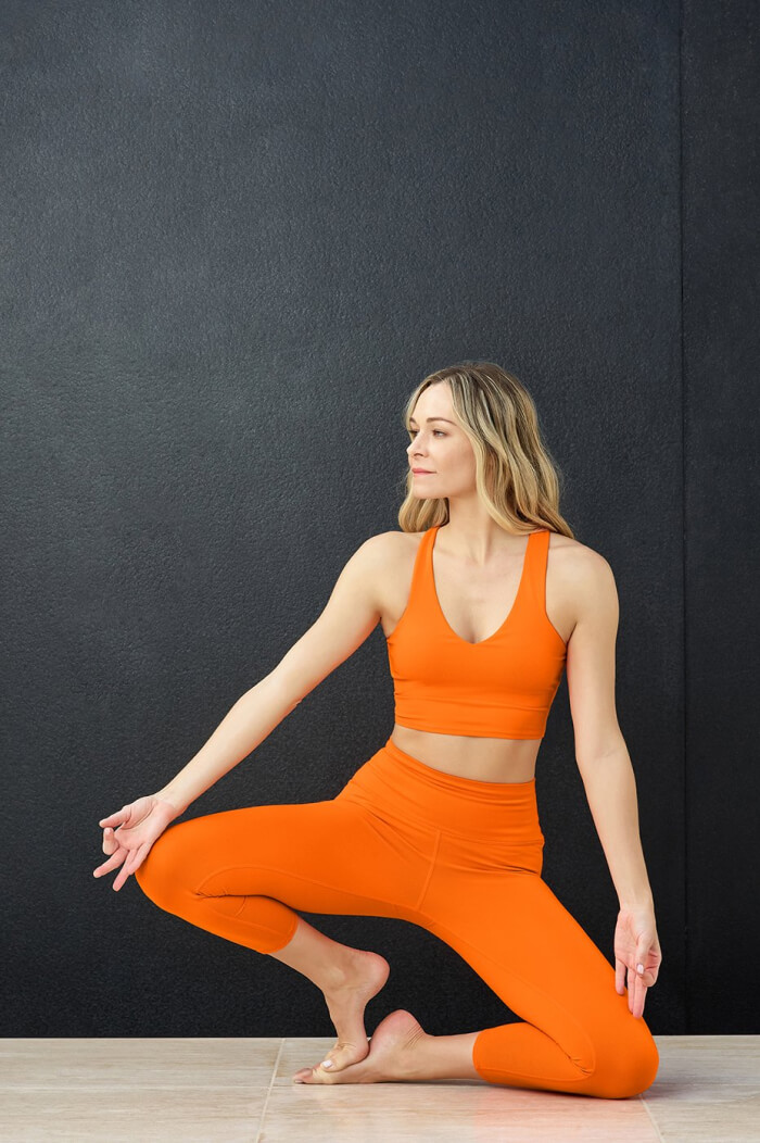 Alo yoga tank and leggings